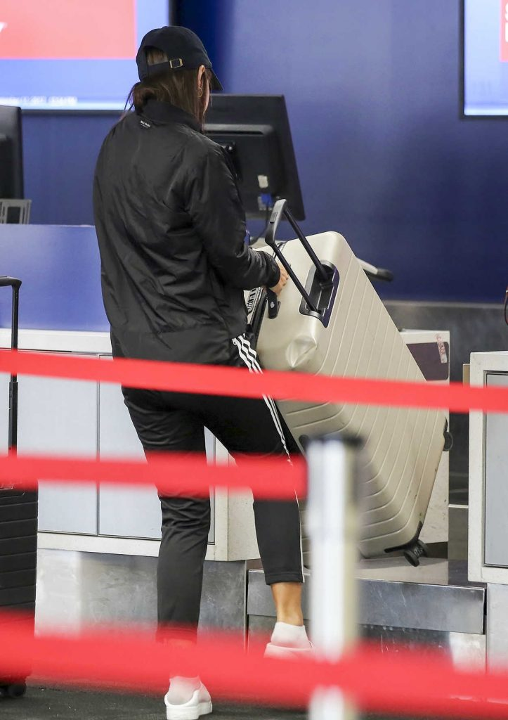 Emily Ratajkowski Was Spotted at LAX Airport in LA 09/11/2017-5