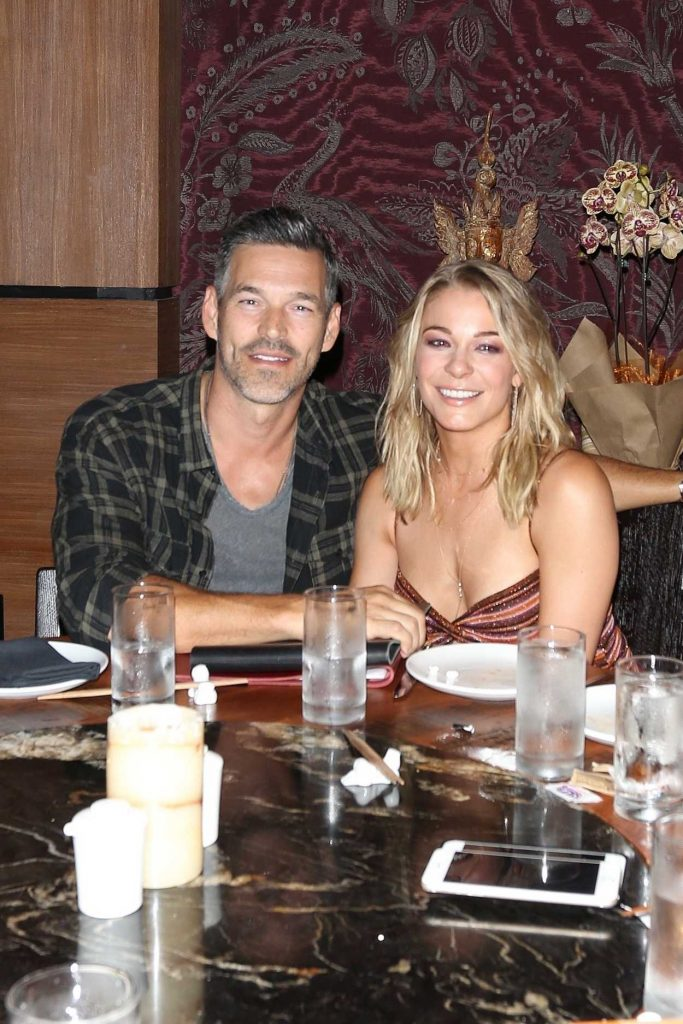 LeAnn Rimes at TAO Restaurant in Hollywood 09/02/2017-1