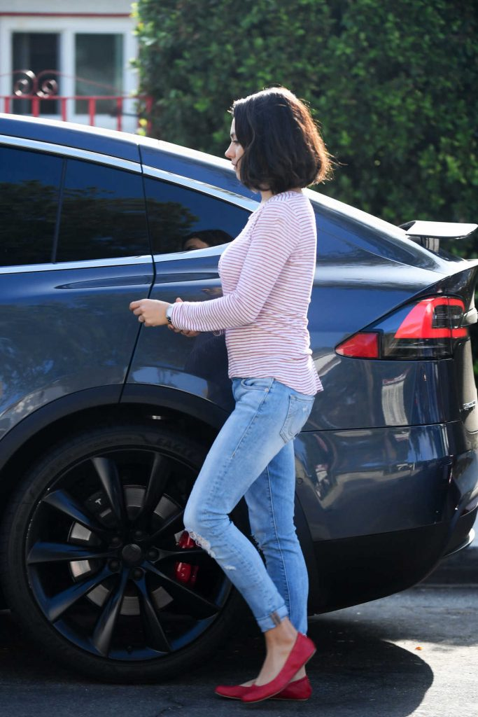 Mila Kunis Was Spotted Out in LA 09/20/2017-4