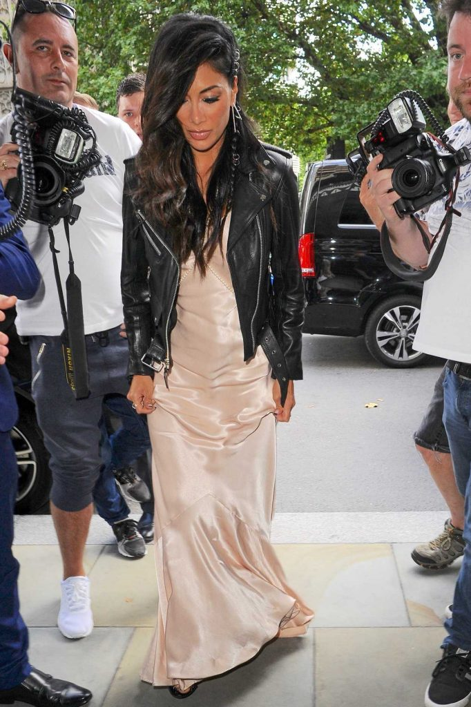 Nicole Scherzinger Arrives for Perfume Launch at Dorchester Hotel in London 08/31/2017-1
