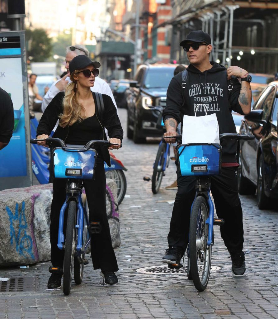 Paris Hilton and Chris Zylka Riding Bicycles in Manhattan 09/17/2017-1