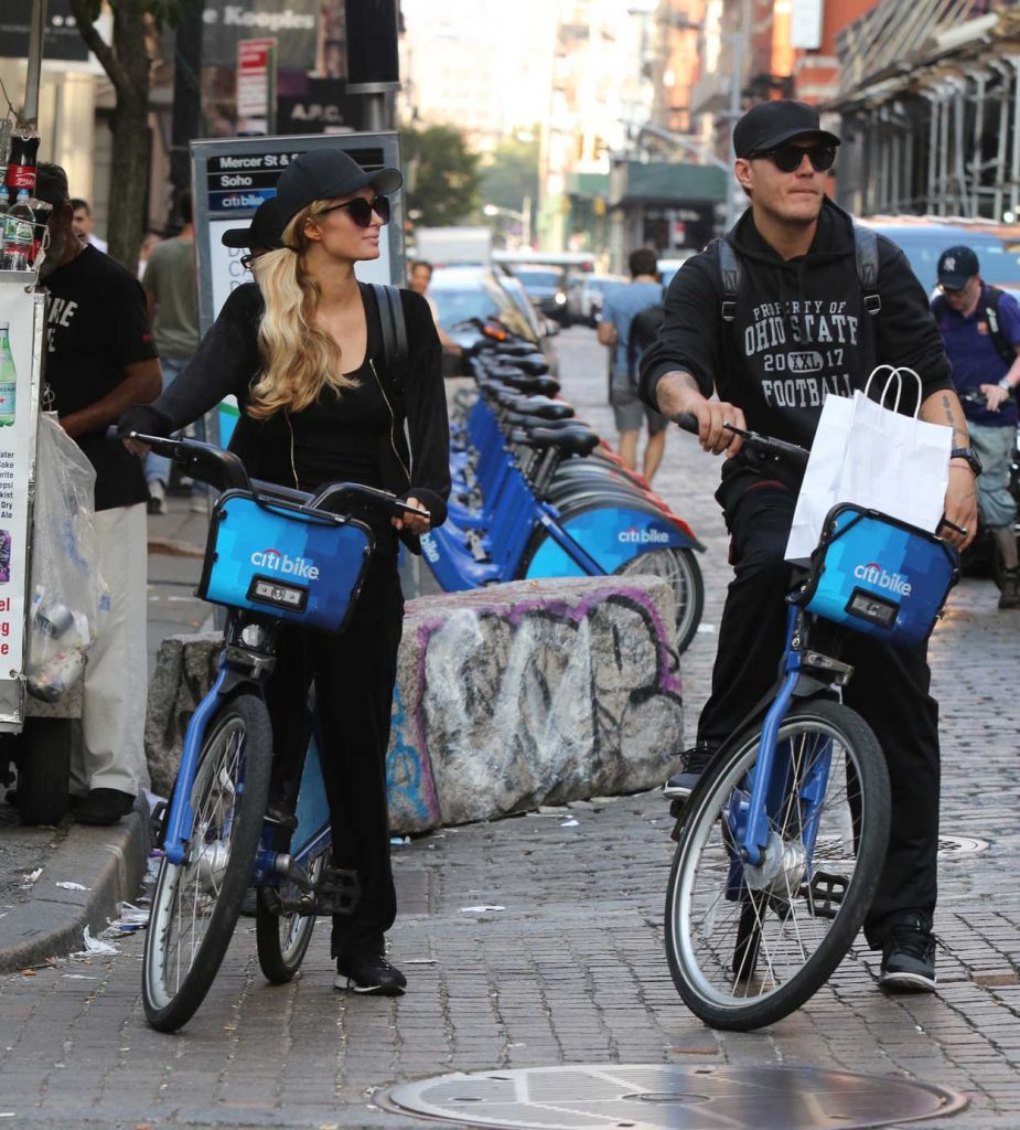 Paris Hilton and Chris Zylka Riding Bicycles in Manhattan 09/17/2017-2