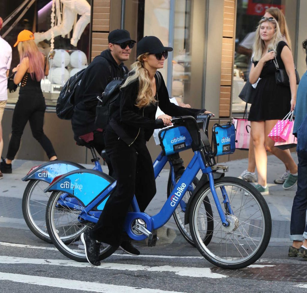 Paris Hilton and Chris Zylka Riding Bicycles in Manhattan 09/17/2017-3