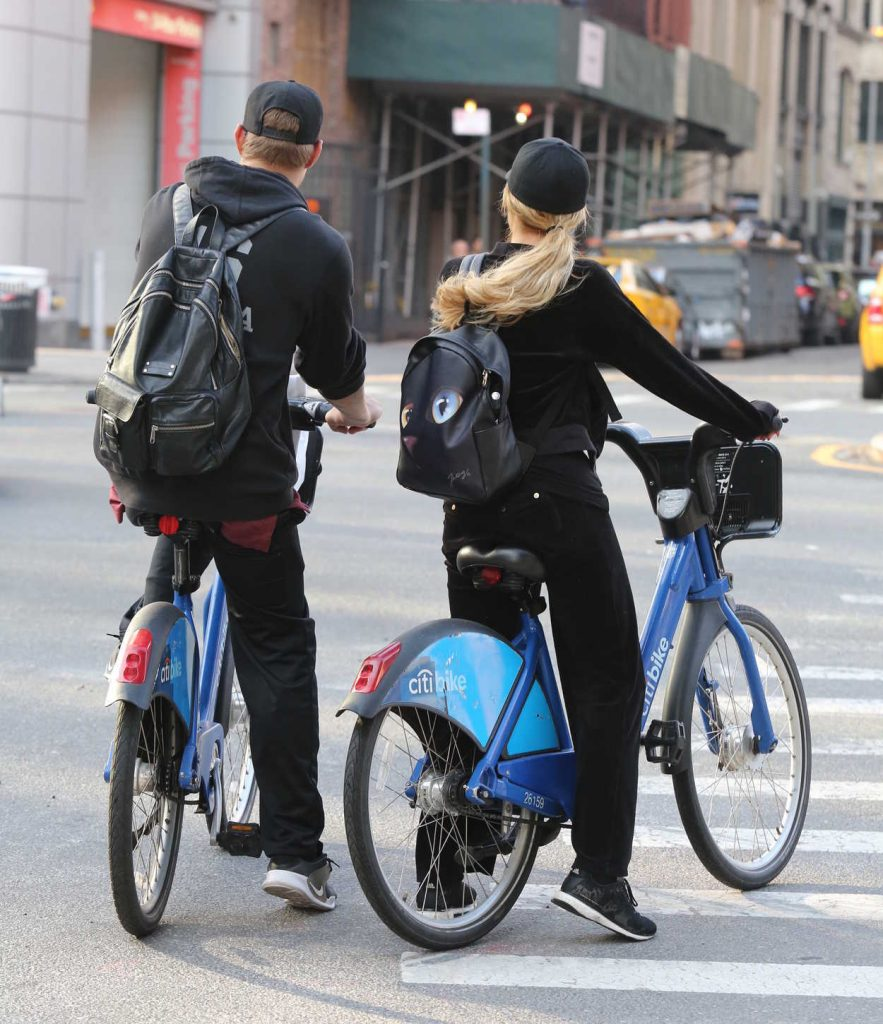 Paris Hilton and Chris Zylka Riding Bicycles in Manhattan 09/17/2017-4