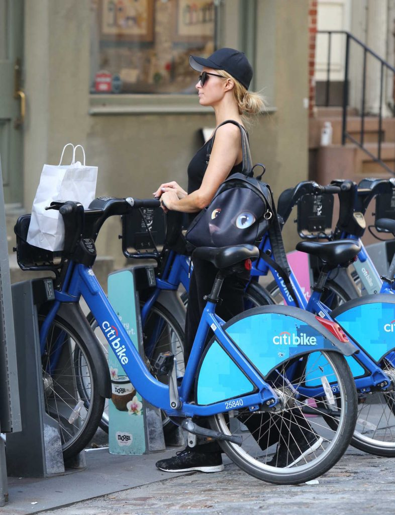 Paris Hilton and Chris Zylka Riding Bicycles in Manhattan 09/17/2017-5