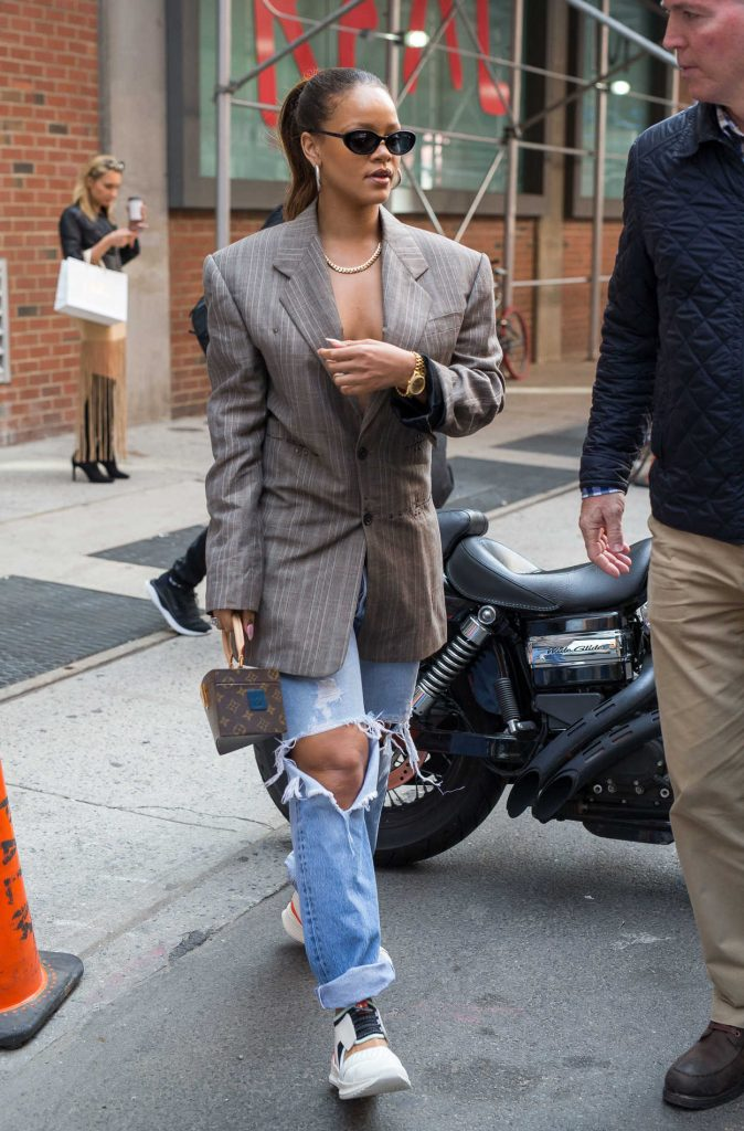 Rihanna Was Seen Out in New York 09/09/2017-1