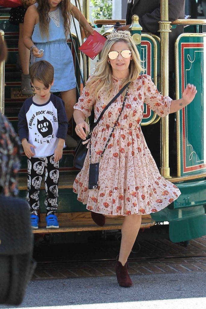 Sarah Michelle Gellar Celebrates Her Daughter's Birthday in Hollywood 09/23/2017-1