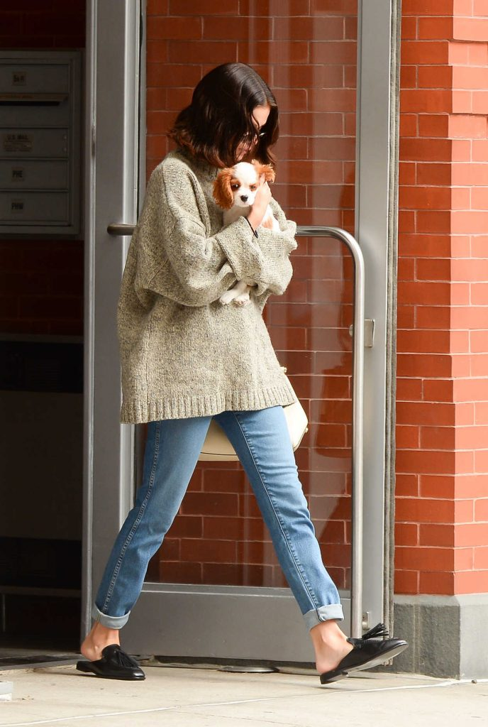 Selena Gomez Was Seen With Her Puppy in Soho, NYC 09/20/2017-1