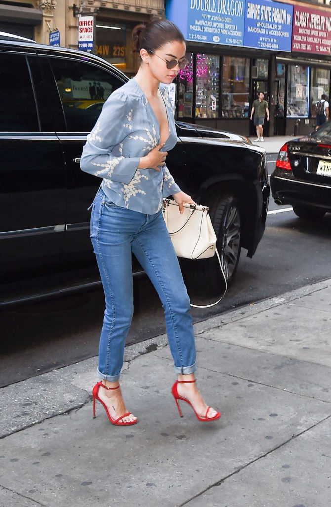 Selena Gomez Wears a Blue Floral Top Out in NYC 09/25/2017-1