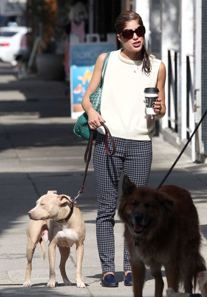 Selma Blair Was Seen With Her Dog Out in Los Angeles 09/20/2017-4