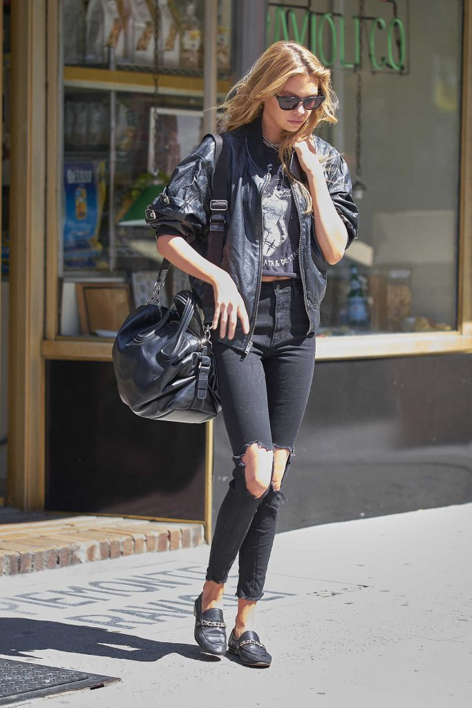 Stella Maxwell Was Seen Out in New York 09/01/2017-1