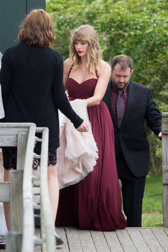 Taylor Swift Was Seen as a Bridesmaid at her BFF Abigail's Wedding in Martha's Vineyard 09/02/2017-1