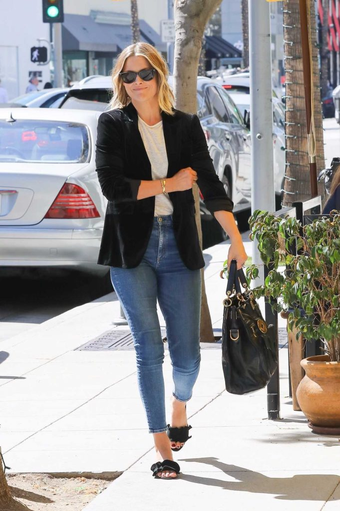 Ali Larter Grabs Lunch at M Cafe in Beverly Hills 10/07/2017-3