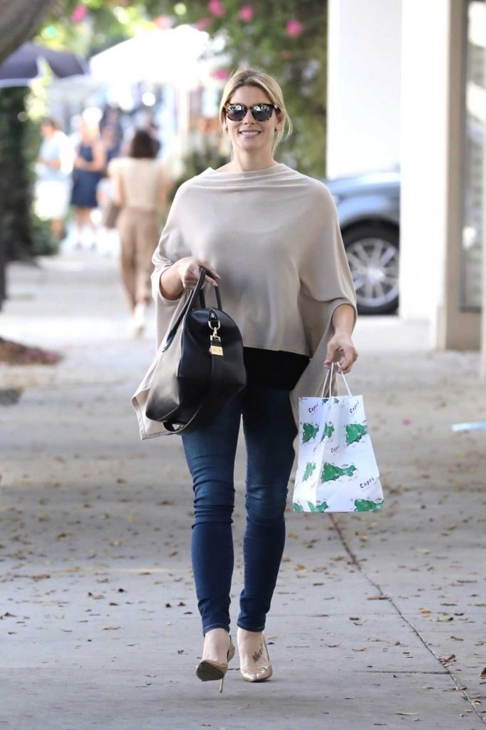 Ashley Greene Was Seen Out in West Hollywood 10/12/2017-1