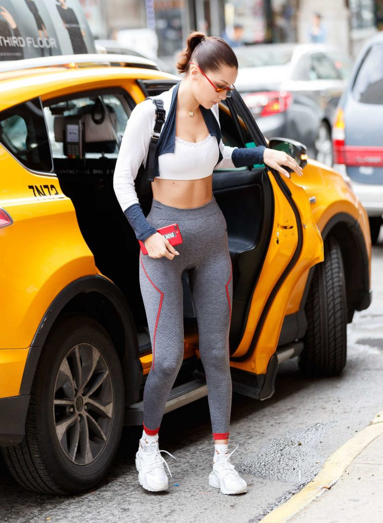Bella Hadid Coming Out of a Yellow Cab in NYC 10/12/2017-1