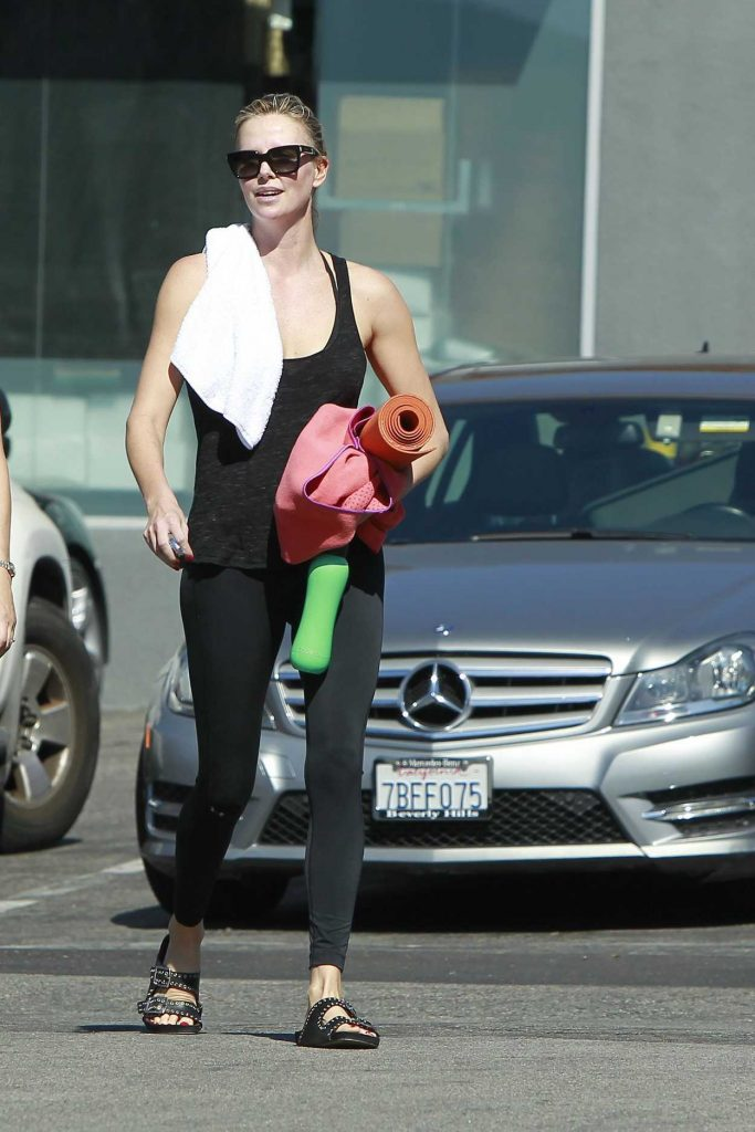 Charlize Theron Leaves Her Yoga Class in West Hollywood 10/15/2017-1