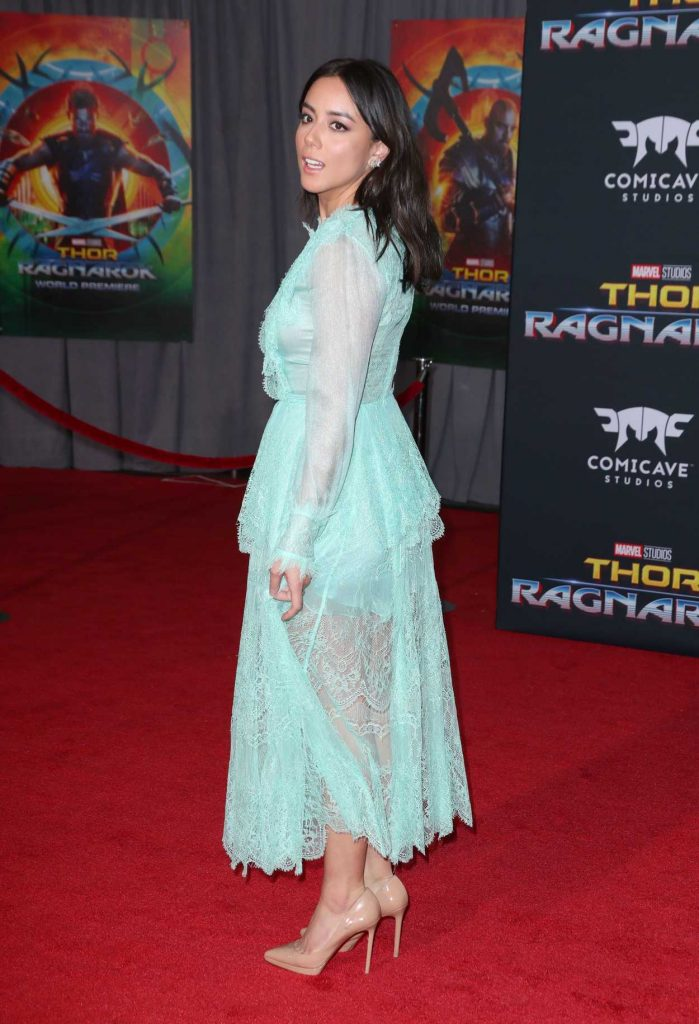 Chloe Bennet at the Thor: Ragnarok Premiere in Los Angeles 10/10/2017-4