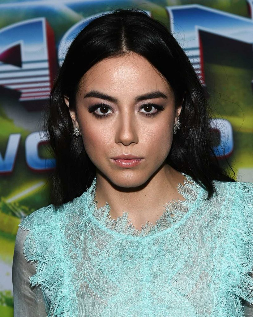Chloe Bennet at the Thor: Ragnarok Premiere in Los Angeles 10/10/2017-5