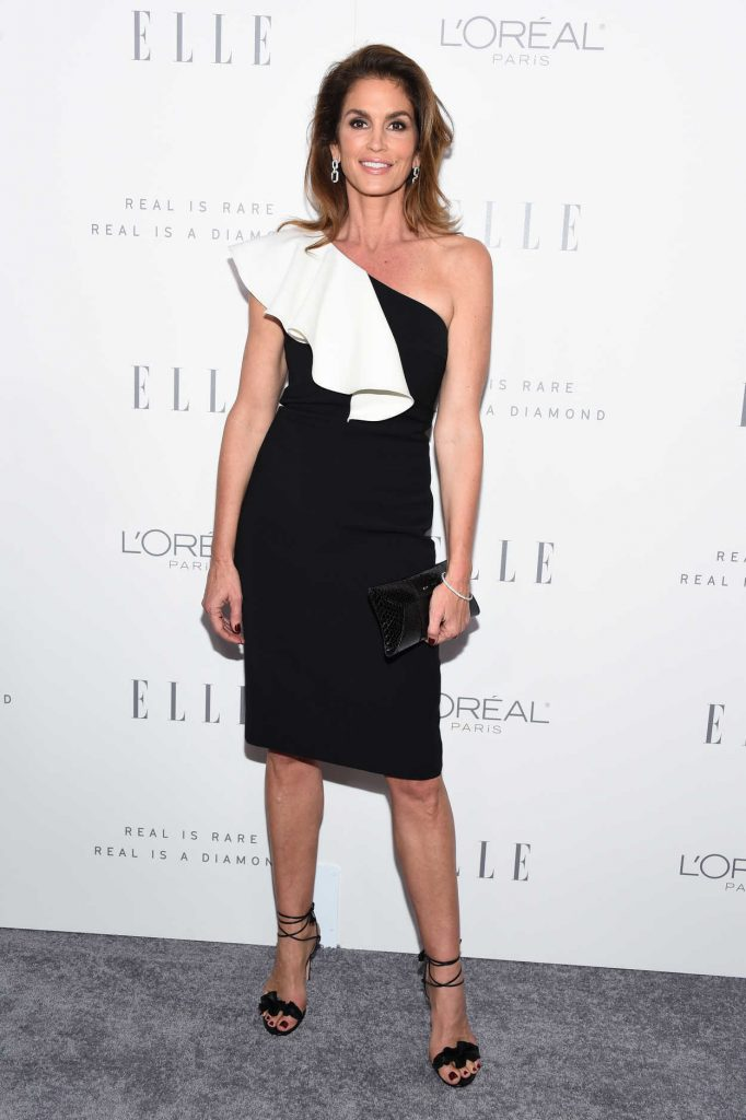 Cindy Crawford at ELLE's 24th Annual Women in Hollywood Celebration in Los Angeles 10/16/2017-1