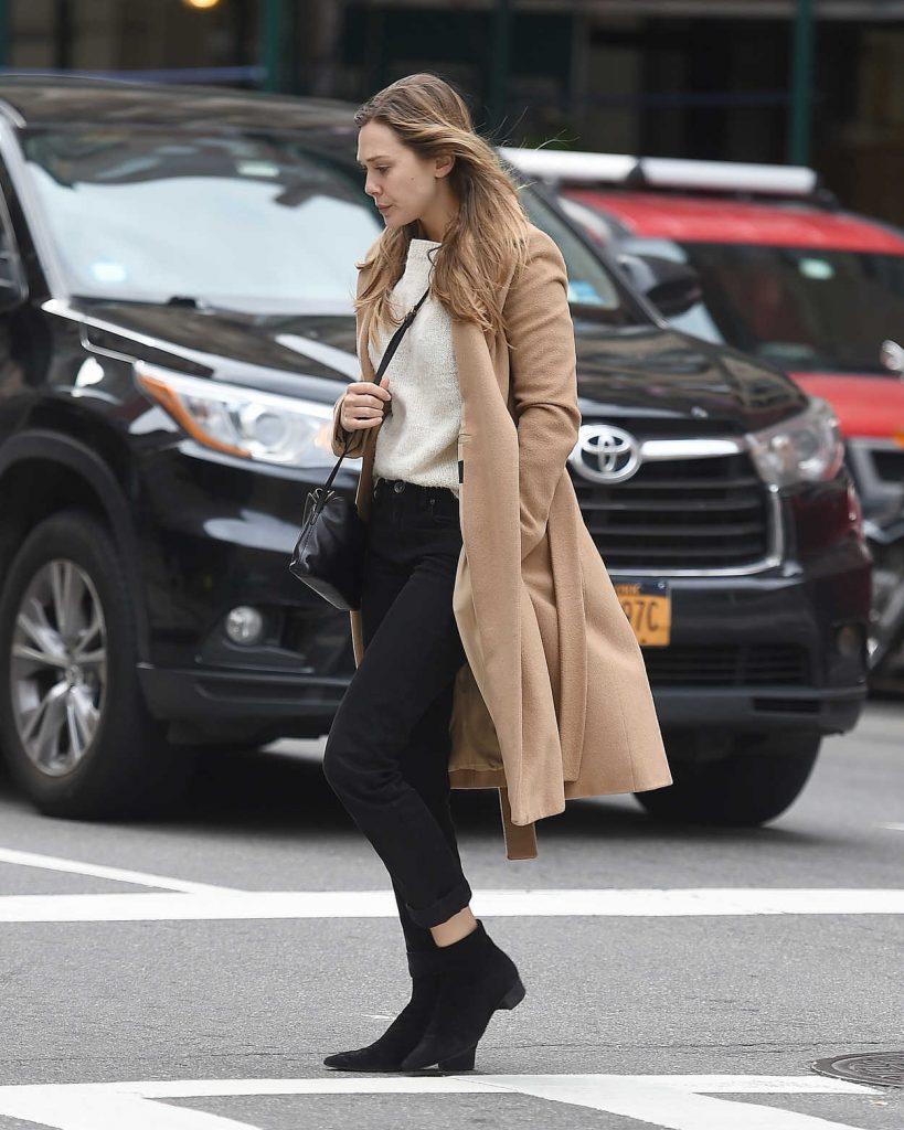 Elizabeth Olsen Wears a Beige Coat Out in New York City 10/16/2017-2