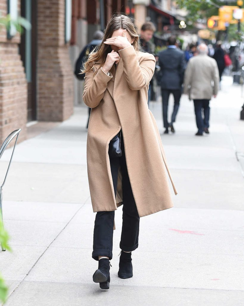 Elizabeth Olsen Wears a Beige Coat Out in New York City 10/16/2017-4