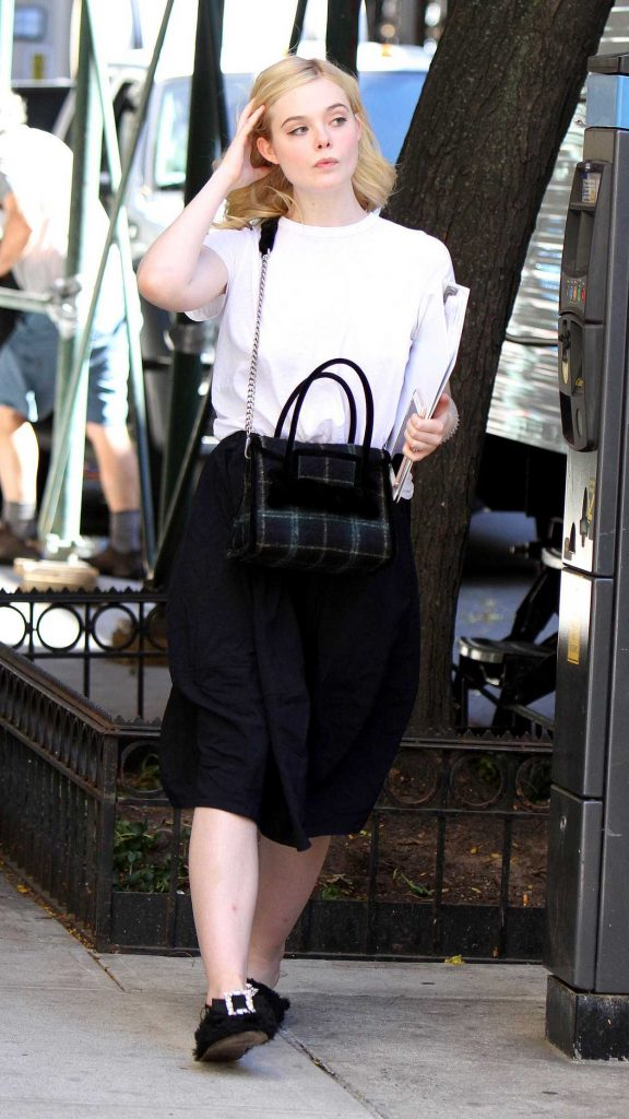 Elle Fanning on the Set of New Woody Allen film in NYC 09/29/2017-2