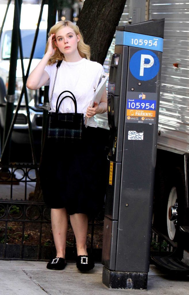 Elle Fanning on the Set of New Woody Allen film in NYC 09/29/2017-3