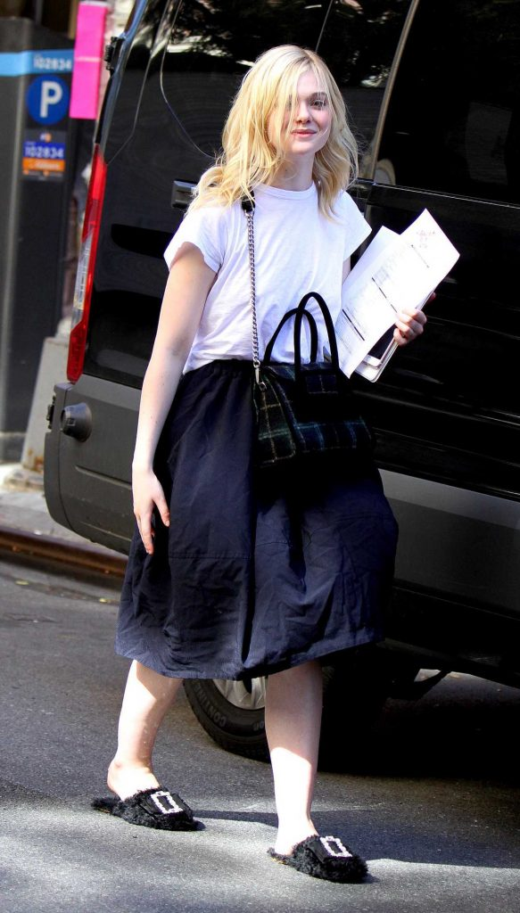 Elle Fanning on the Set of New Woody Allen film in NYC 09/29/2017-4