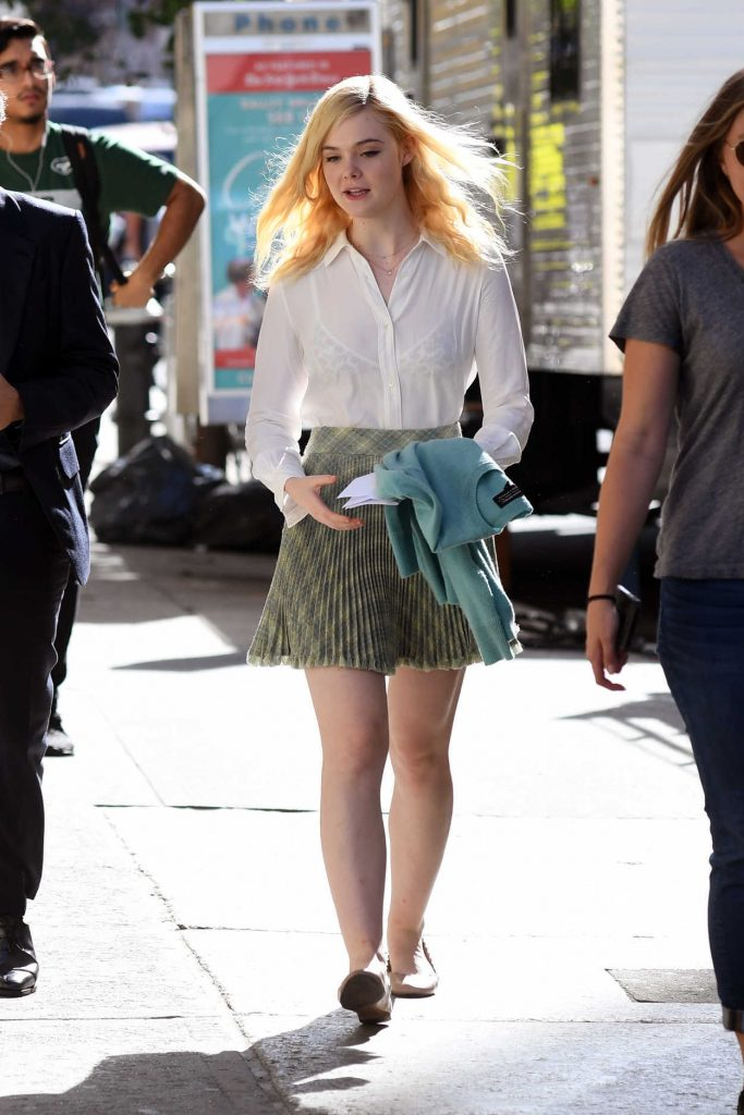 Elle Fanning on the Set of Woody Allen Film in NYC 10/10/2017-3