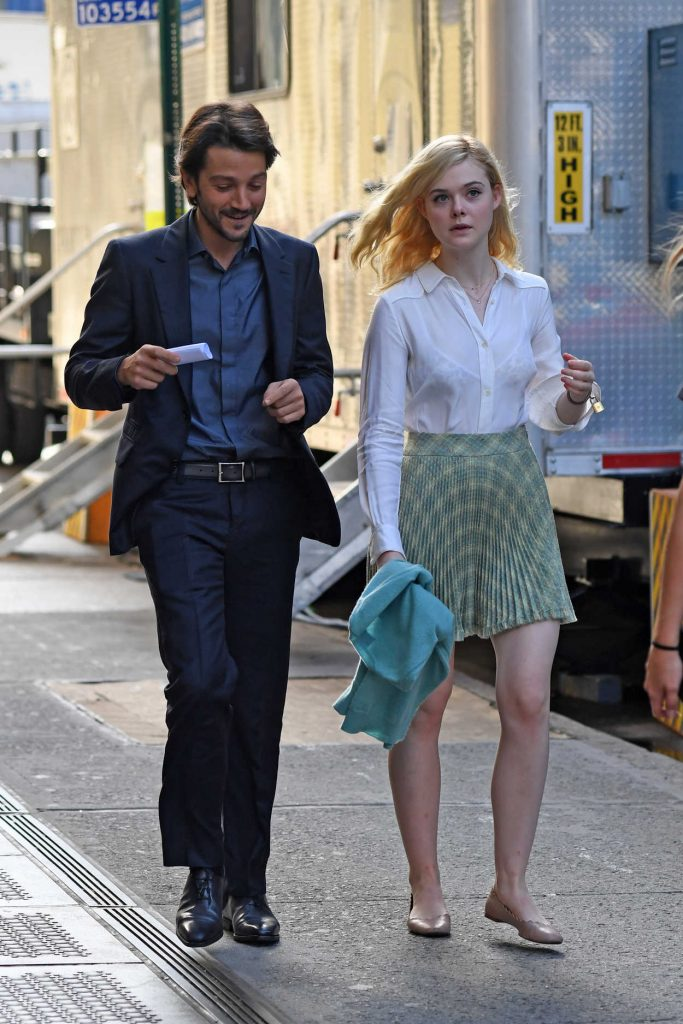 Elle Fanning on the Set of Woody Allen Film in NYC 10/10/2017-4