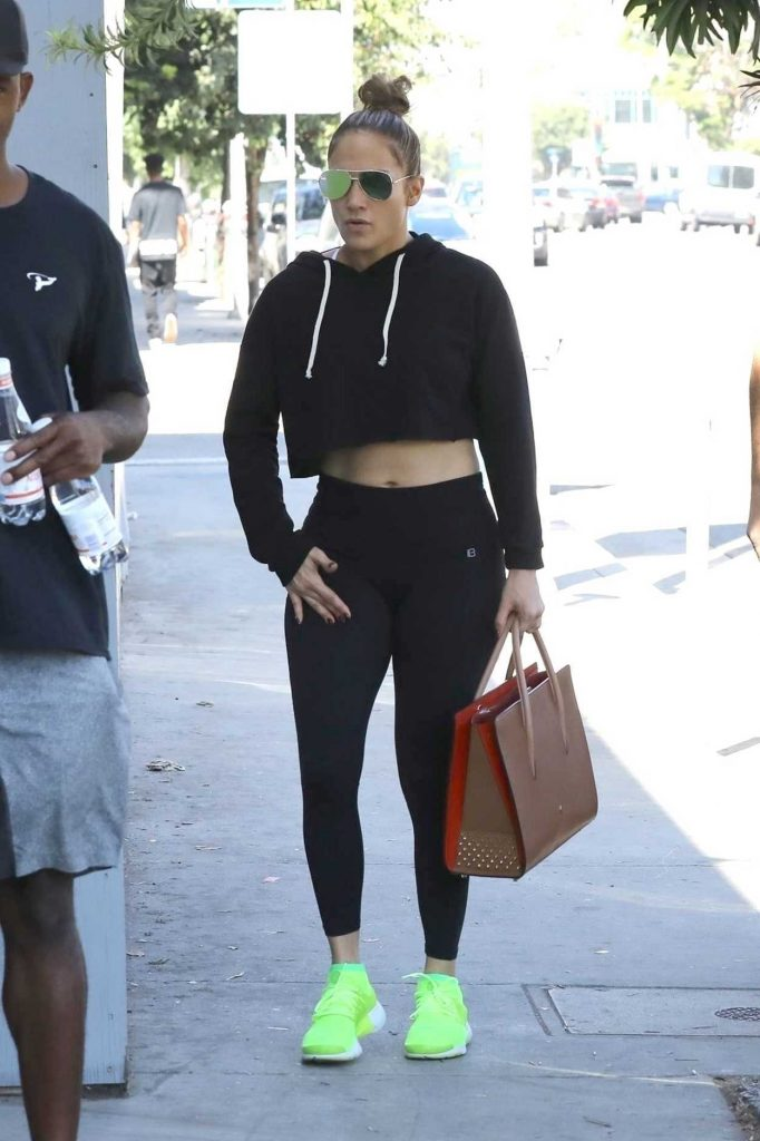 Jennifer Lopez Heads to the Gym in Los Angeles 10/05/2017-1