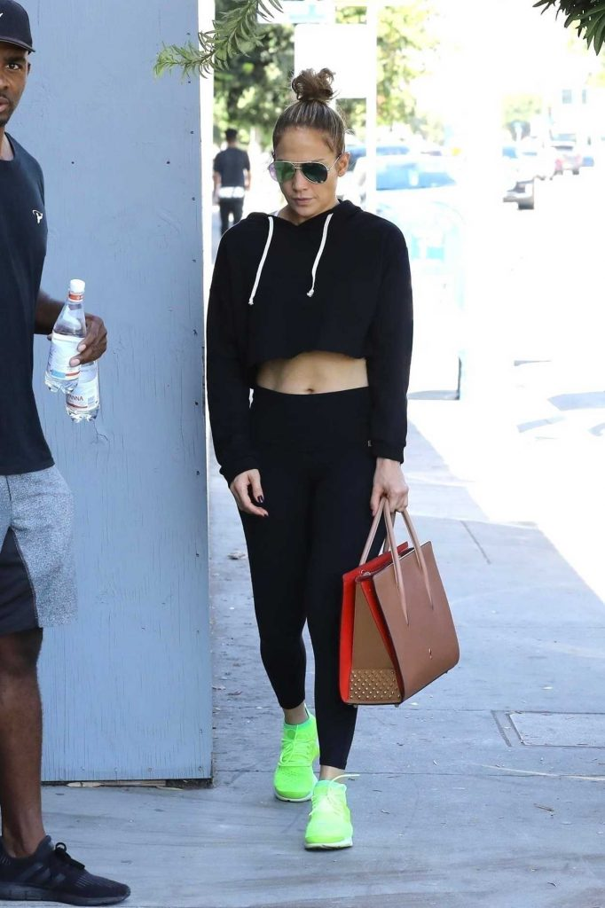 Jennifer Lopez Heads to the Gym in Los Angeles 10/05/2017-2