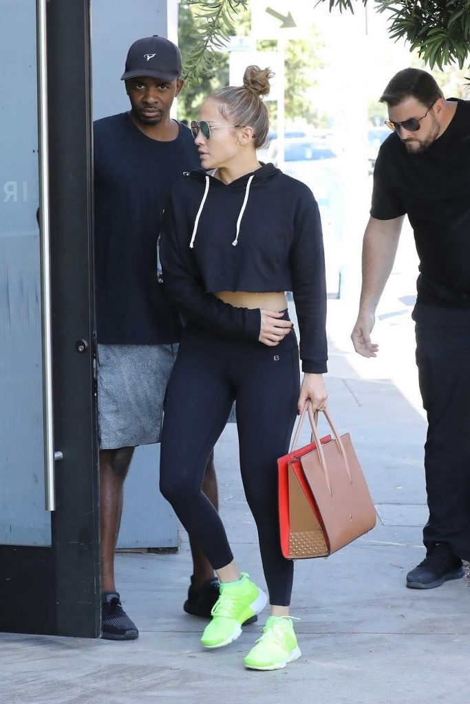Jennifer Lopez Heads to the Gym in Los Angeles 10/05/2017-4