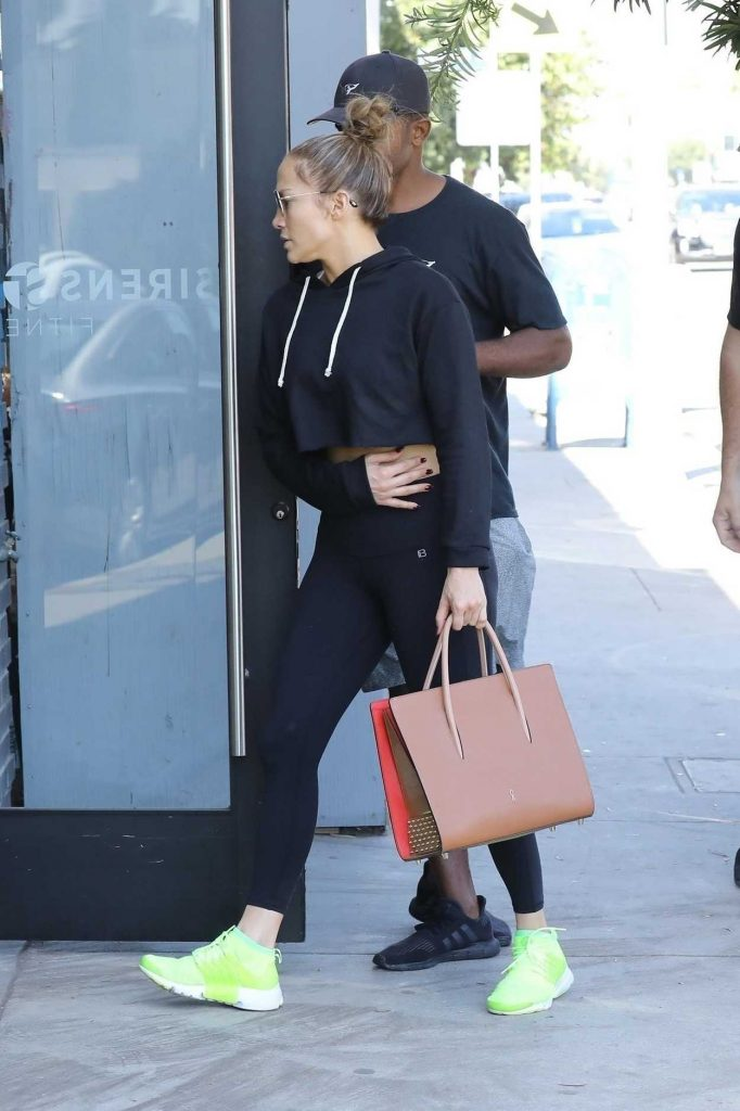 Jennifer Lopez Heads to the Gym in Los Angeles 10/05/2017-5