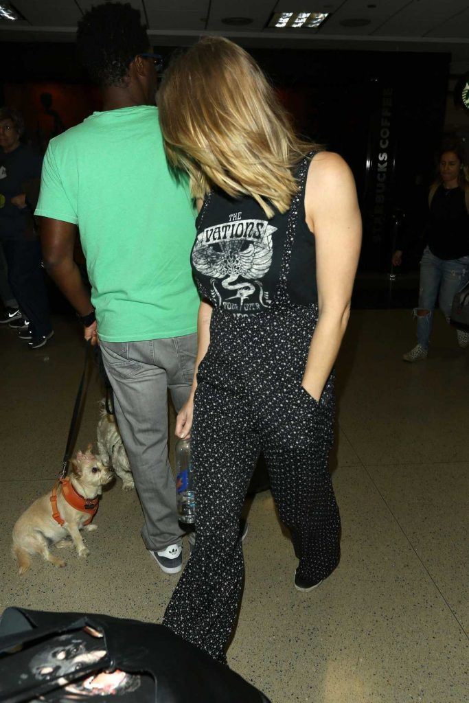 LeAnn Rimes Was Seen at LAX Airport in Los Angeles 10/08/2017-4