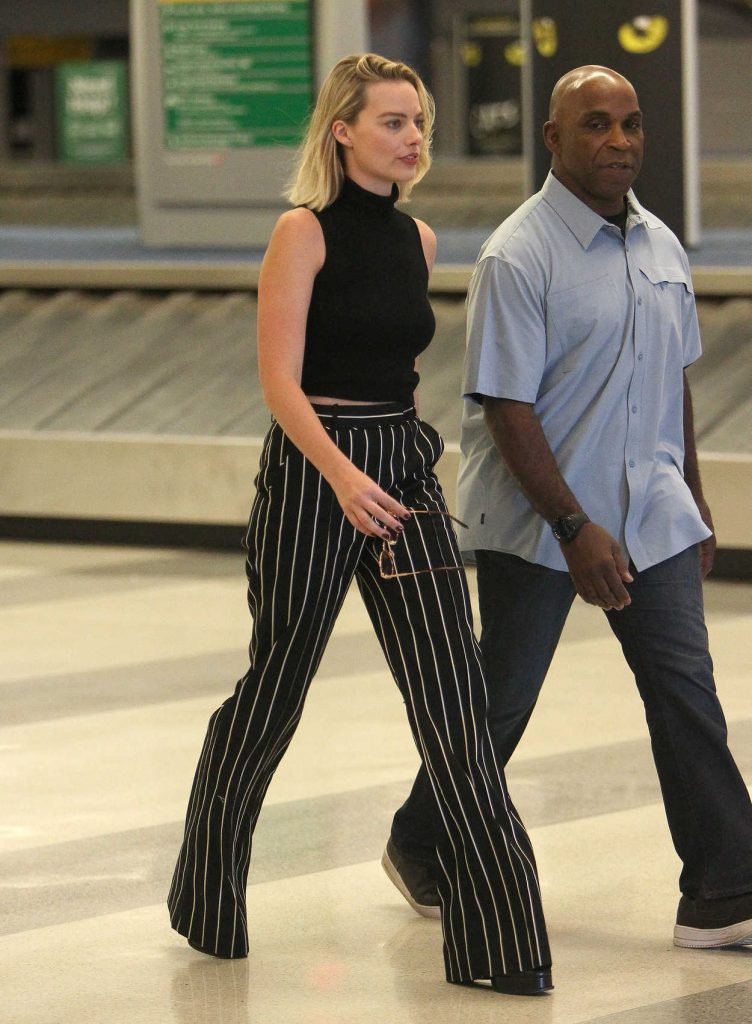 Margot Robbie Was Seen at JFK Airport in New York 10/08/2017-3