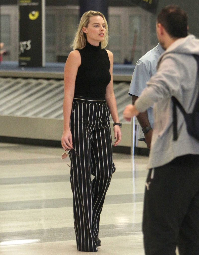 Margot Robbie Was Seen at JFK Airport in New York 10/08/2017-4