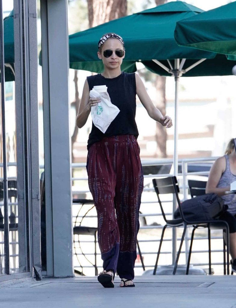 Nicole Richie Was Seen Out in Los Angeles 10/16/2017-2