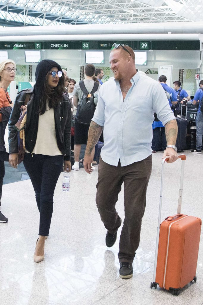 Priyanka Chopra Was Spotted at Fiumicino Airport in Rome 10/12/2017-5
