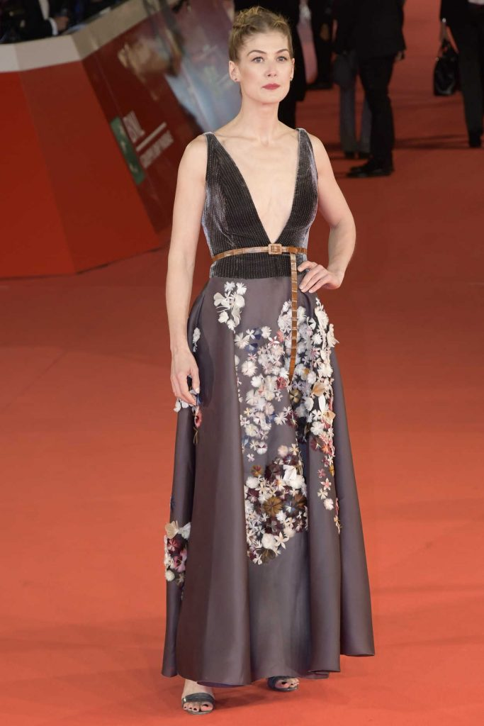 Rosamund Pike at the Hostiles Premiere During the 12th Annual Rome Film Festival in Rome 10/26/2017-1