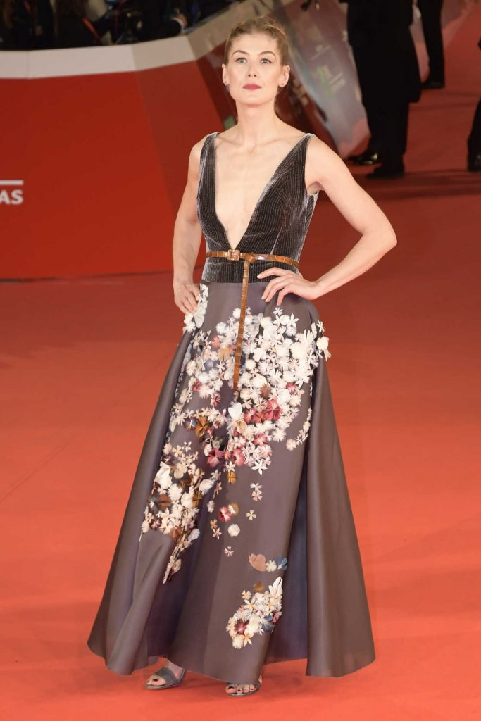Rosamund Pike at the Hostiles Premiere During the 12th Annual Rome Film Festival in Rome 10/26/2017-3