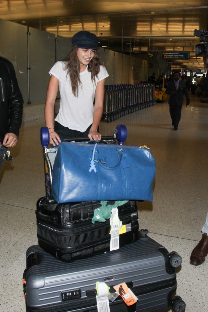 Taylor Hill Was Spotted at LAX Airport in LA 10/19/2017-1