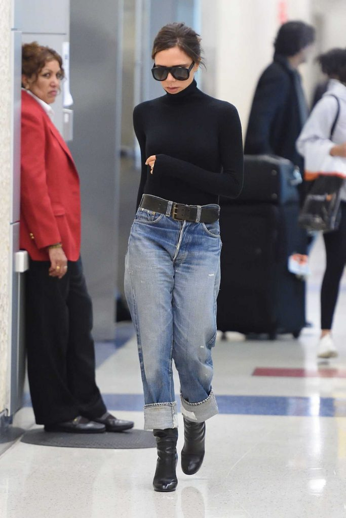 Victoria Beckham Arrives at JFK Airport in New York City 10/11/2017-1
