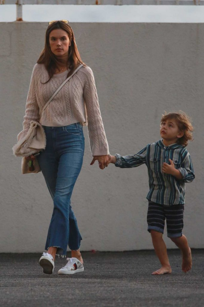 Alessandra Ambrosio Visits a Friend With Her Son Noah in Malibu 11/26/2017-1