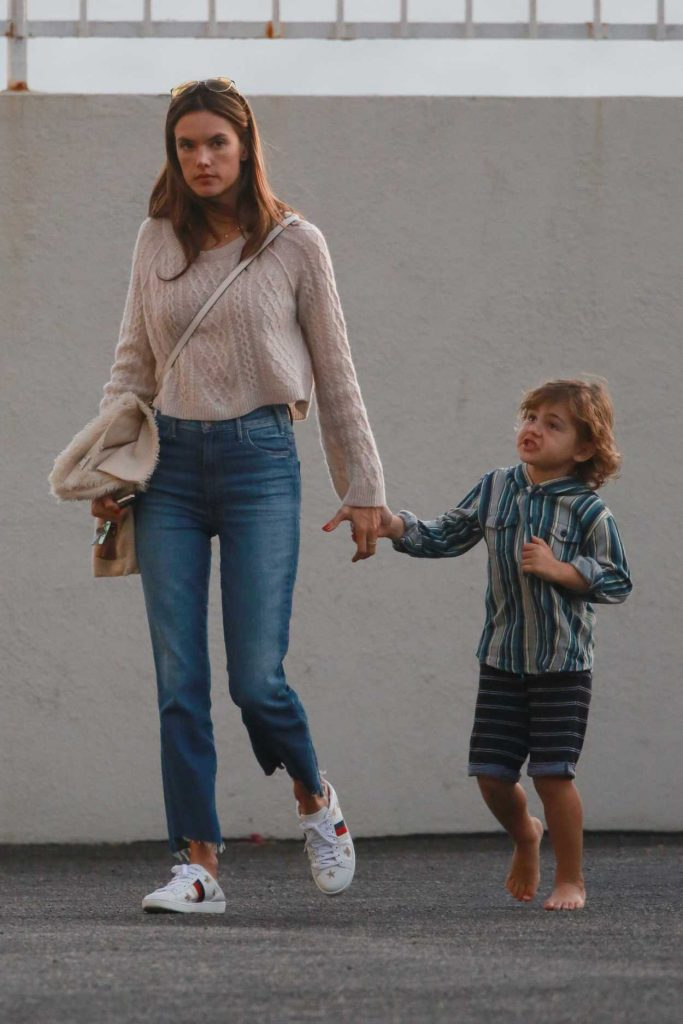Alessandra Ambrosio Visits a Friend With Her Son Noah in Malibu 11/26/2017-2