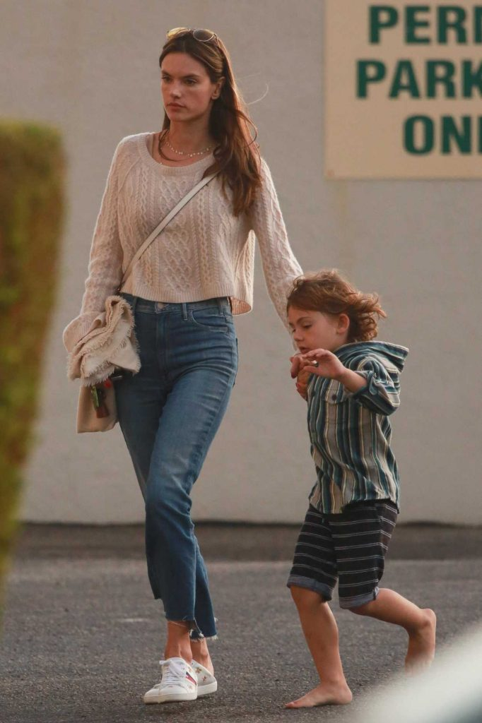 Alessandra Ambrosio Visits a Friend With Her Son Noah in Malibu 11/26/2017-3