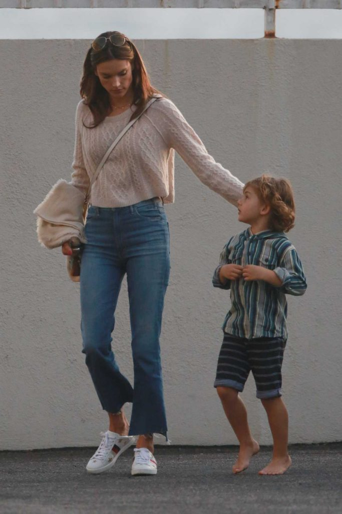 Alessandra Ambrosio Visits a Friend With Her Son Noah in Malibu 11/26/2017-5