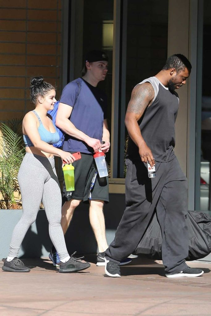 Ariel Winter Hits the Gym With Levi Meaden in LA 11/25/2017-4