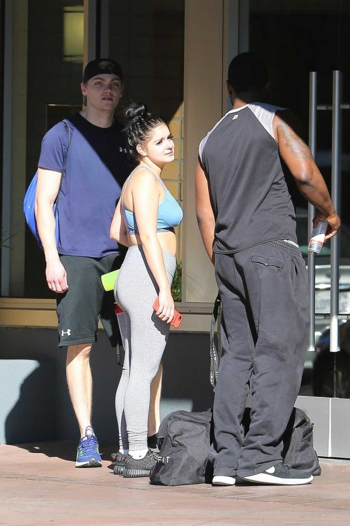 Ariel Winter Hits the Gym With Levi Meaden in LA 11/25/2017-5