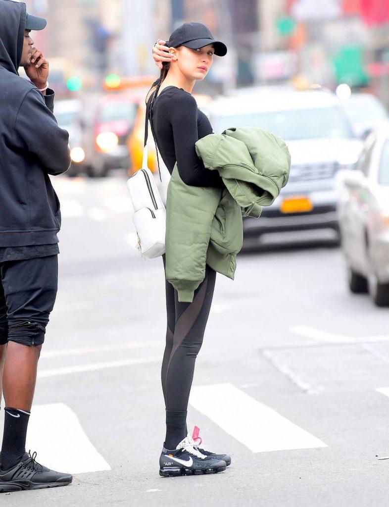 Bella Hadid Walkes Around Chinatown in NYC 11/08/2017-5